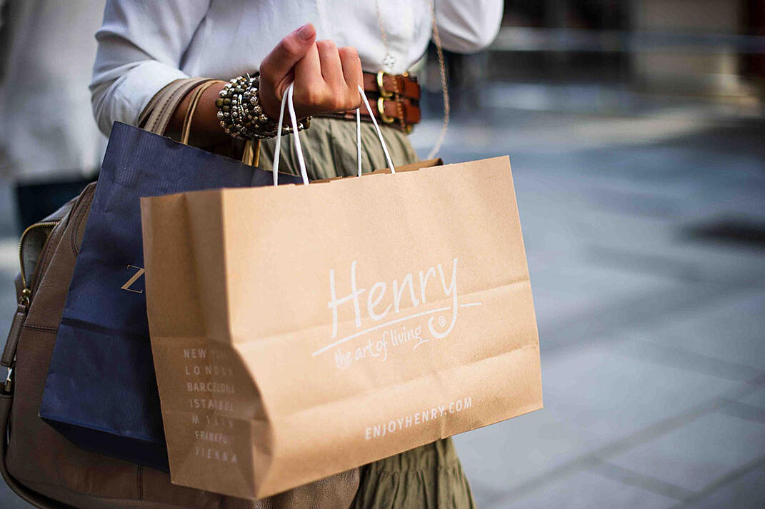 Retail trends, a happy shopper