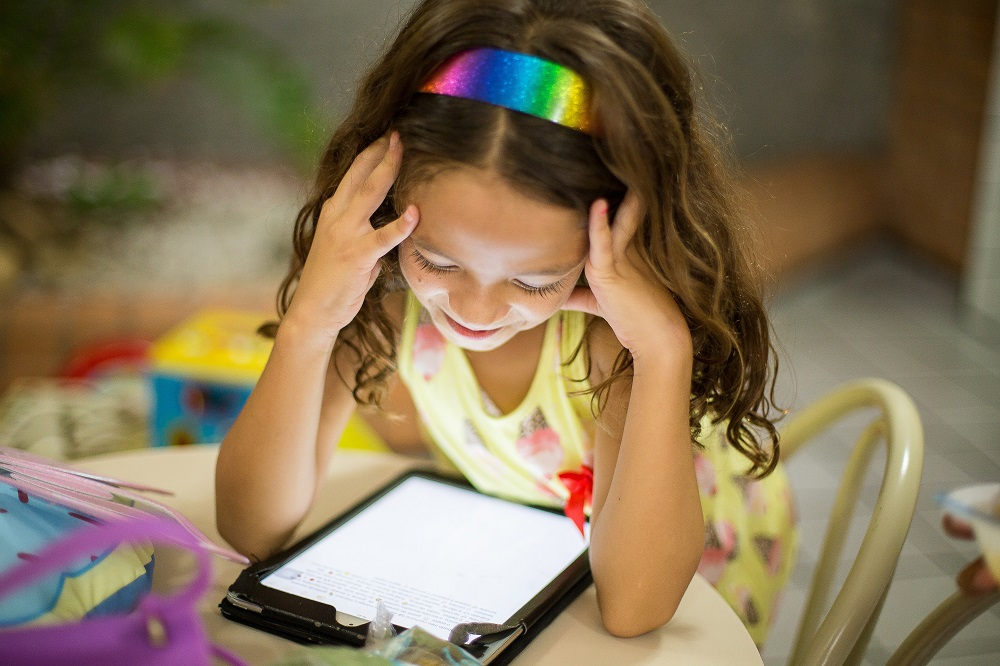 kids using technology in 2020